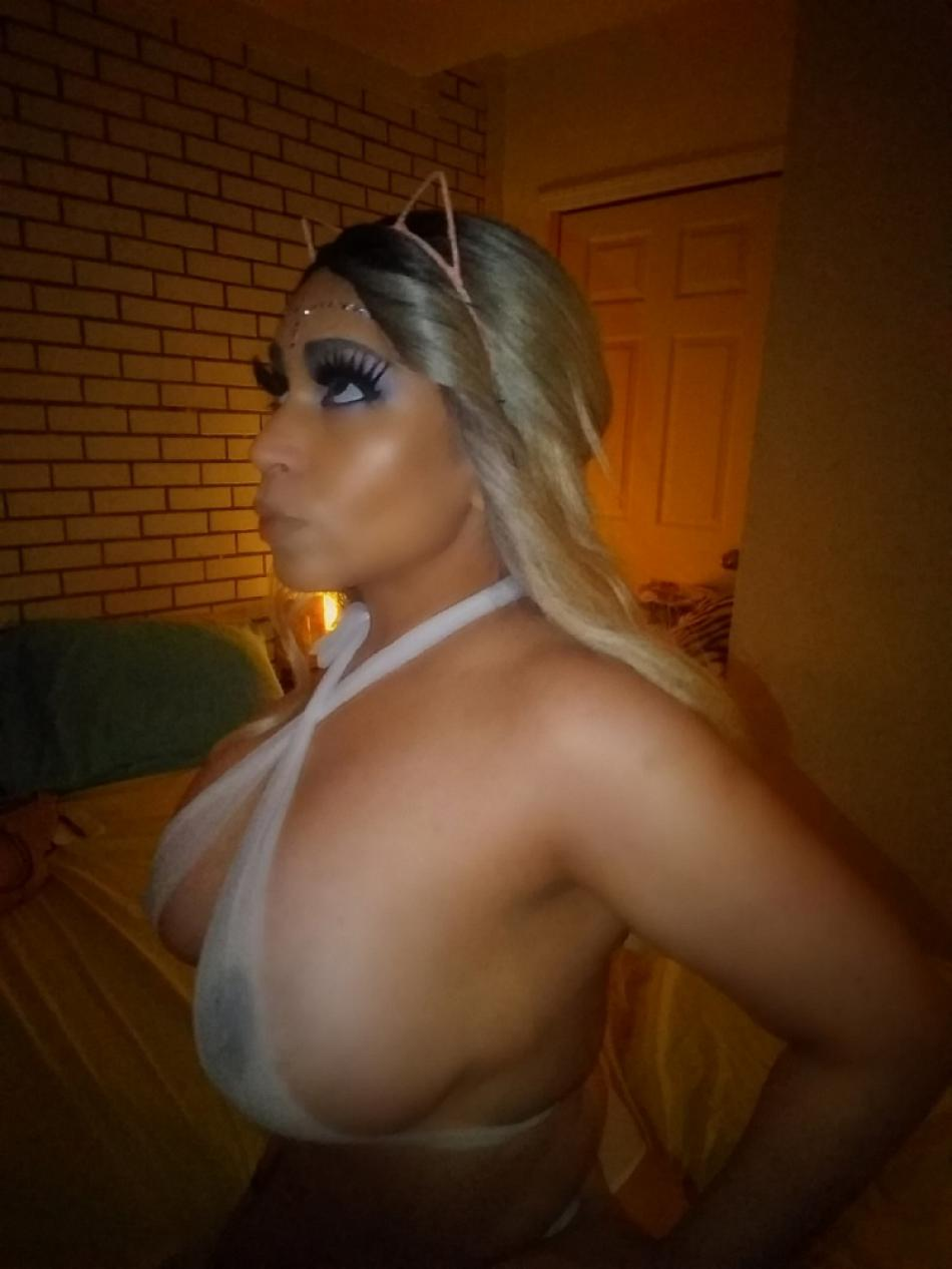STANDART NYC MISTRESS Maxine busty latina 3